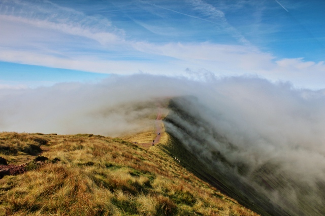 Clouds rolling over the ridge to Corn Du. By Anthony Pease ©