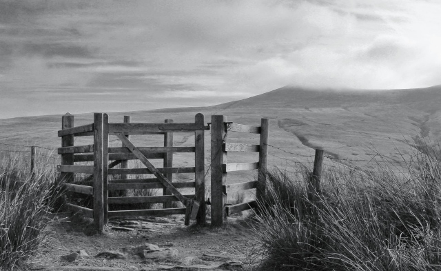 Gateway to Corn Du. By Anthony Pease ©