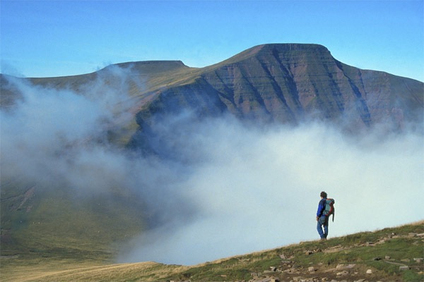 Walking - Brecon Beacons Pen-y-Fan (from Cribyn)